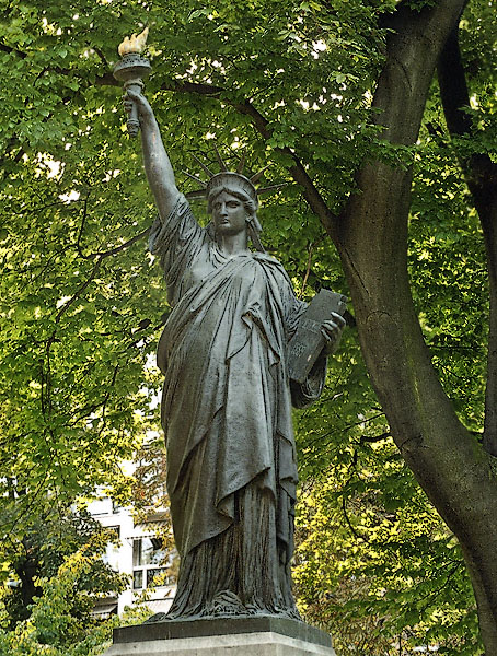 A Statue Of Liberty In The Jardin Du, Statue Of Liberty Garden